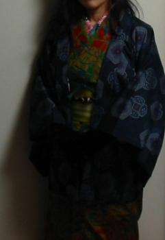 1112黒つば羽織+ポインセチアきもの+若竹半幅.JPG